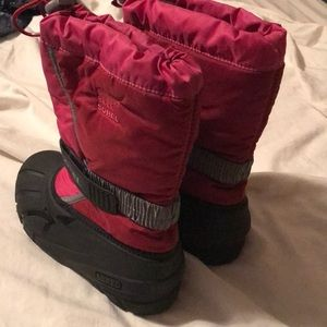 Sorel Shoes - Girls pink Sorel snow boots. Size 3